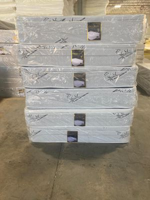 Orthopedic mattress and box spring for Sale in Bedford Park, IL