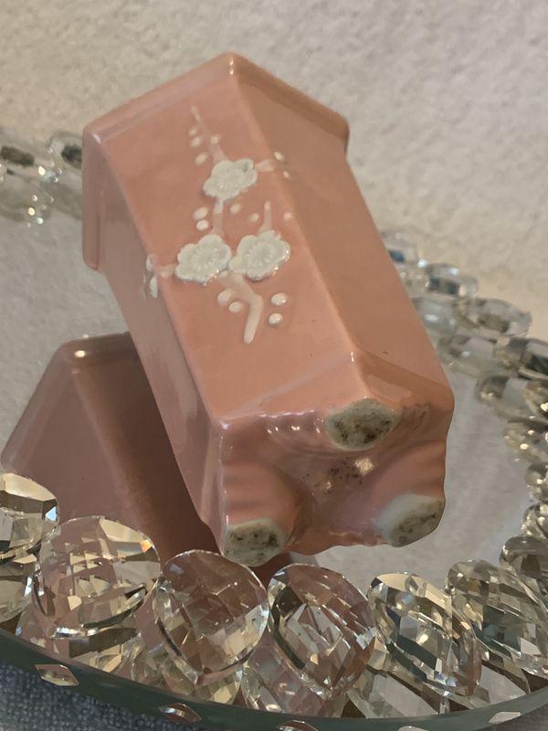 ORIG. VINTAGE ANTIQUE Art Deco Pink Hex/Hexagon Footed Dogwood Pottery Vase.