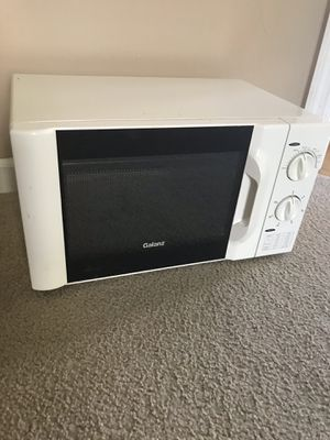 Microwave brand Galanz , 850watt ,good condition short time used like new for Sale in Lexington, KY