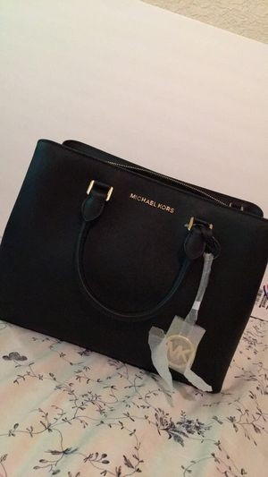 Handbag Michael Kors new with tag body cross handle for Sale in Irvine, CA