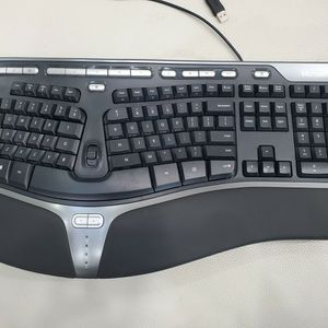 Microsoft Natural Ergonomic Keyboard 4000 for Sale in Milpitas, CA
