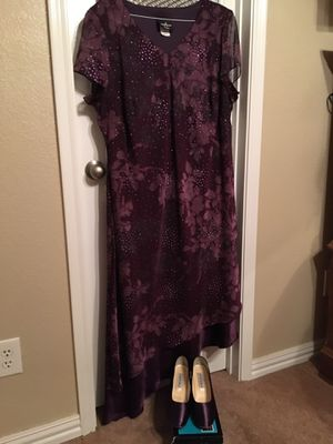 Plum sequin dress with matching shoes for Sale in Saginaw, TX