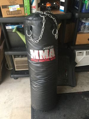 Century MMA Punching Bag 100 pounds. Has chain ready to hang. Like new condition. for Sale in Shorewood, IL