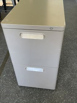 Metal Storage Cabinet for Sale in Jurupa Valley,  CA
