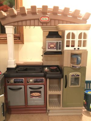 Little Tikes Kitchen and Grill for Sale in Mokena, IL