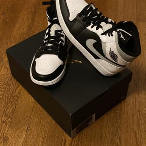 Air Jordan 1 Mid White Shadow Size 9.5 for Sale in Washington, DC
