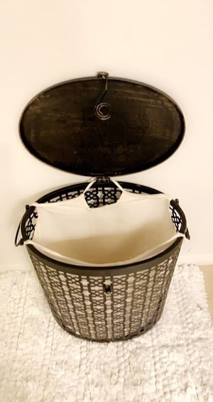 """Laundry basket20""""-17"""" , in really good condition! for Sale in Irvine, CA"""