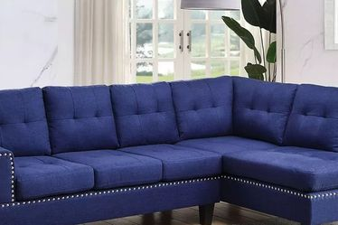 BLUE SECTIONAL CHAISE TUFTED NAILHEAD ACCENTS SOFA LOUNGE COUCH - SILLON SECCIONAL for Sale in Rancho Cucamonga,  CA