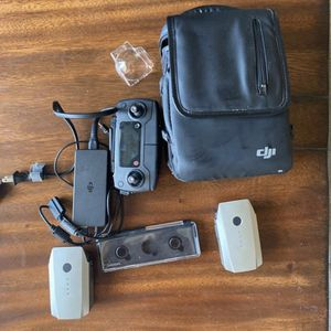 Mavic Pro Platinum, everything but the drone for Sale in West Palm Beach, FL