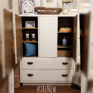 BEAUTIFUL HAND PAINTED CABINET DRESSER STATEMENT PIECE FURNITURE for Sale in Powder Springs, GA