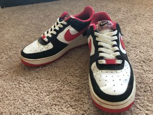 Nike Air Force 1 2011 edition size 7y/ 8women Shoes Sneakers for Sale in Haines City, FL