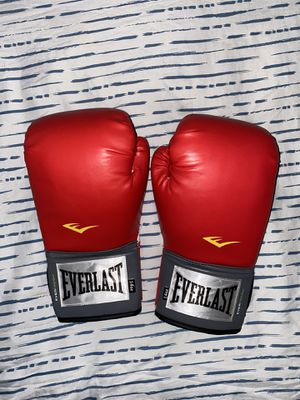 Everlast Pro Style Boxing Glove for Sale in Lynwood, CA
