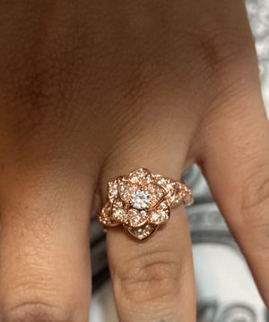 Pandora Elegant red plated gold wedding ring with diamonds for Sale in Pico Rivera, CA