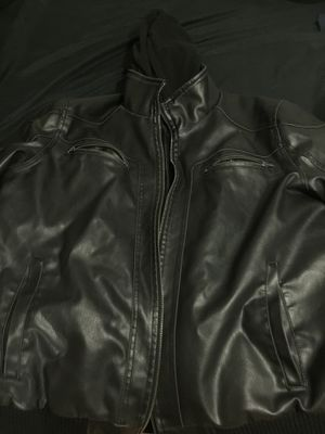 GUESS LEATHER JACKET AUTHENTIC for Sale in Miami, FL