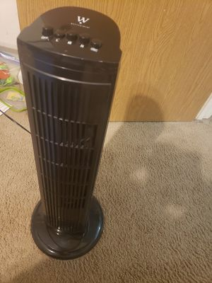 Oscillating stand tower fan for Sale in Strongsville, OH