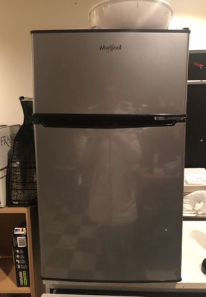 Whirlpool mini fridge for Sale in Rockville, MD