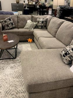 ♦️Instock Ballinasloe Platinum Sectional ⚡Take Home SAME Day 💥☘️ for Sale in Arlington,  VA