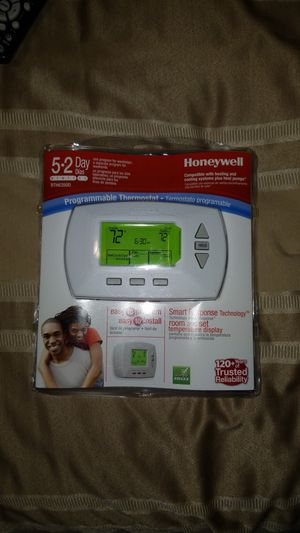 Honeywell programmable thermostat for Sale in Atlanta, GA