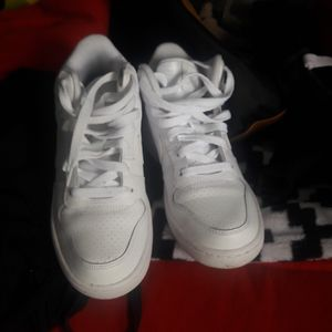 Nikes size 4.5y for Sale in Lodi, CA