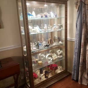 Giltwood Deluxe Curio Cabinet for Sale in Germantown, MD
