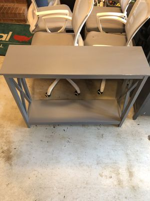 Small two level shelf for Sale in Newnan, GA