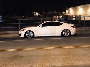 2010 Hyundai Genesis coupe 2.0t for Sale in Garden Grove, CA