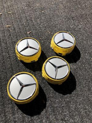 MERCEDES BENZ AMG WHEEL RAISED CENTER CAPS NEW CONDITION MUST GO ASAP !!!!!!! for Sale in Largo, FL