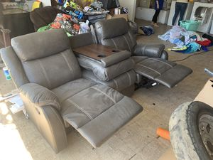Jeromes recliner couch for Sale in Norco, CA