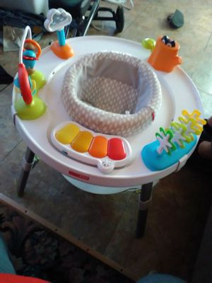 Skip hop play seat for Sale in Junction City, OH