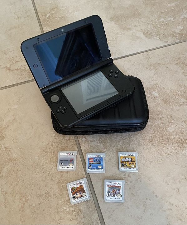 Nintendo 3DS XL Red with 5 games