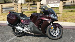 2012 Kawasaki concours ZG1400. Candy Arabian Red. Beautiful color. for Sale in Highland, CA