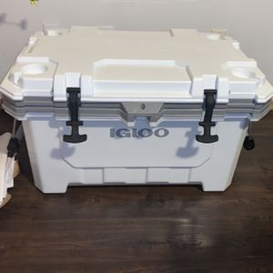70 Qt Cooler for Sale in Boring, OR