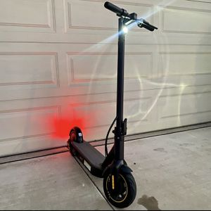 Segway Ninebot Electric Scooter(non label) Delivery Available for Sale in West Covina, CA