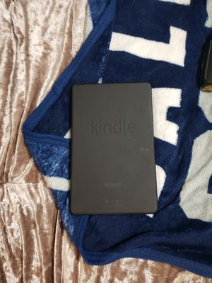 Kindle for Sale in Tacoma, WA