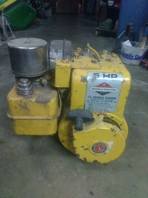 ☆☆1985 5 HP Briggs and Stratton Motor☆☆ for Sale in Raymore, MO