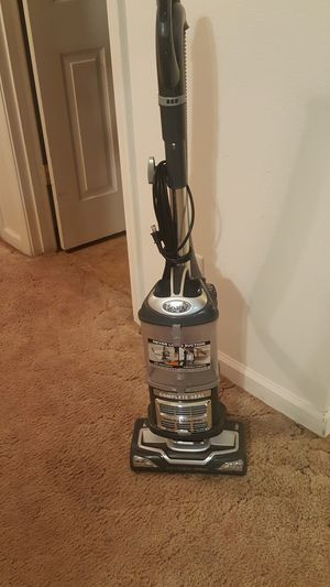 Shark Navigator Lift Away Vacuum anti allergen never lose suction professional power for Sale in Kingsburg, CA