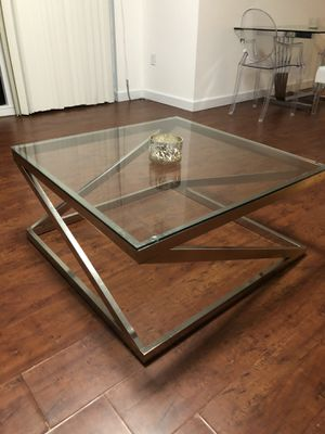 Modern glass coffee table for Sale in Miami, FL