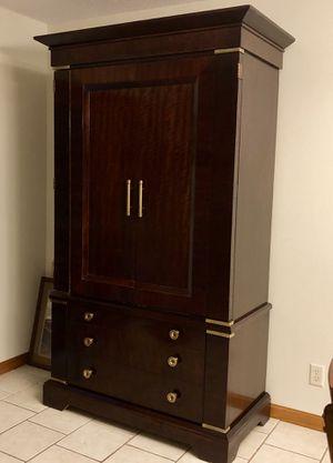 Henredon armoire for Sale in Menomonie, WI