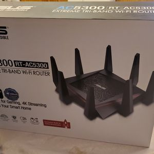 ACUS RT-AC5300 Extreme TRI-BAND WI-FI ROUTER for Sale in Surprise, AZ