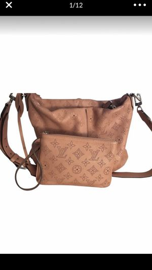 Louis Vuitton Selene Rose Pink Mahina Leather Hobo Bag for Sale in Hialeah, FL