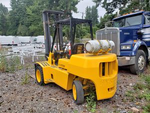 Forklift propane hyster 90 for Sale in Tacoma, WA