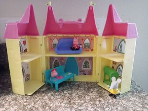 Peppa pig doll house for Sale in Riverside, CA