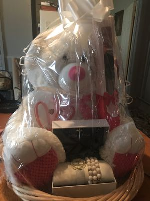 Valentine bear with watch and bracelet set for Sale in Memphis, TN