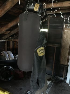 Everlast Heavy Bag for Sale in Columbus, OH