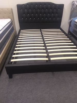 Queen Black bed frame new in the box. We don't assemble, matress included. for Sale in Long Beach, CA