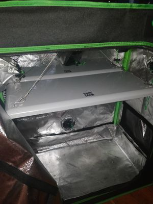Grow Tent & Lights for Sale in Seattle, WA