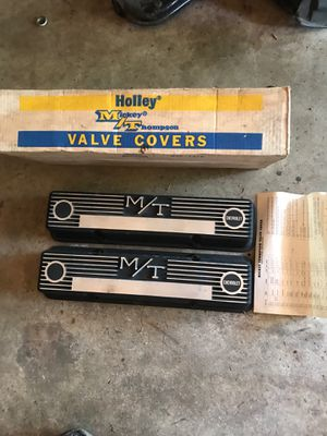 Mickey Thompson sbc valve covers for Sale in Arlington, WA