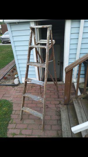 5 1/2 foot wooden ladder for Sale in Wyandotte, MI