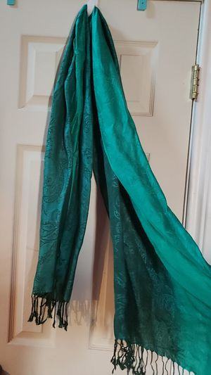 Charming Charlie's Green Scarf for Sale in Mesquite, TX