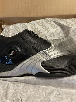Brand new Reebok Iverson V size 9 with Box for Sale in San Antonio,  TX